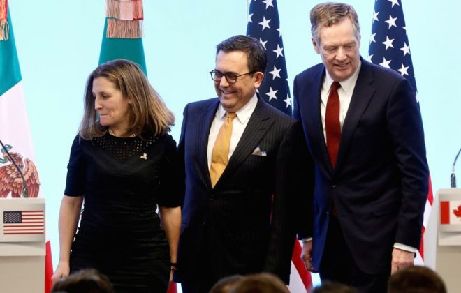 Canadian Foreign Minister Chrystia Freeland, Mexican Economy Minister Ildefonso Guajardo and U.S. Trade Representative Robert Lighthizer take part in a joint news conference on the closing of the seventh round of NAFTA talks in Mexico City. (Photo: Reuters/Edgard Garrido)