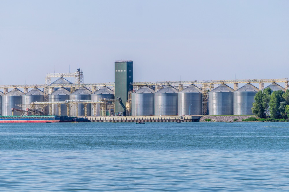 File photo of a grain terminal on the Dnieper River in Ukraine. (Konoplytska/iStock/Getty Images)